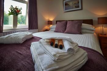 Lynstead House - Purple Room