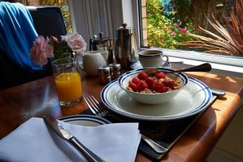 Lynstead House - Continental Breakfast