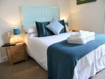 Lynstead House - Room 2